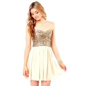 👑 ASOS Gold Sequin Strapless Dress 👑